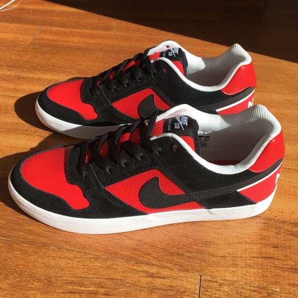519ab2a98d36 NWT Nike SB Delta Force Vulc